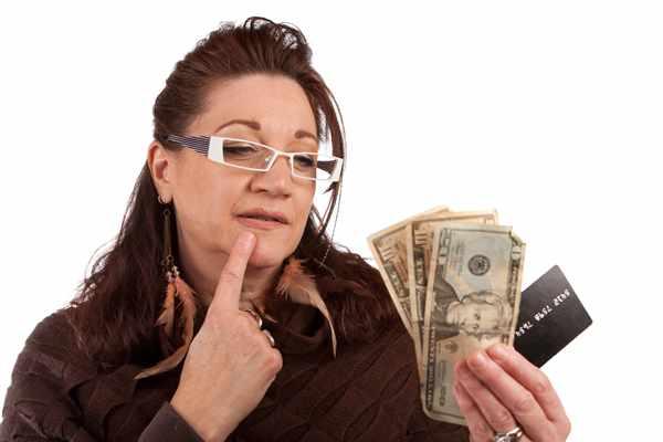 Pełno osób postanawia wziąć kredyty pozabankow
